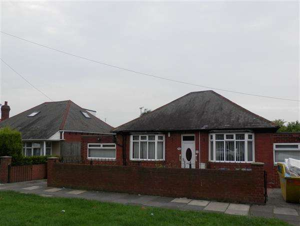 4 Bedrooms Detached Bungalow for sale in Scrogg Road, Newcastle upon Tyne