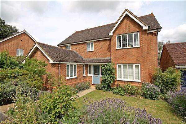 4 Bedrooms Detached House for sale in Jasmine Close, Chartham Downs
