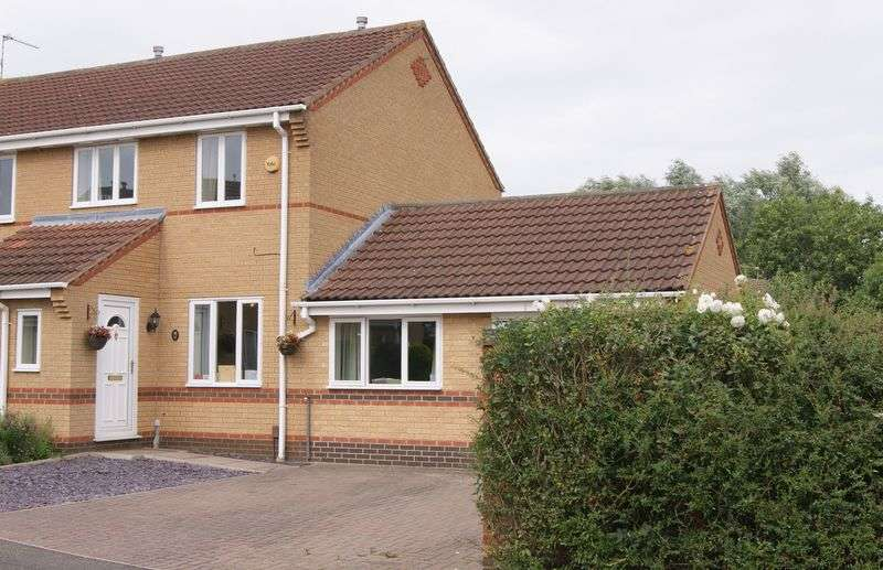 3 Bedrooms Semi Detached House for sale in Wensleydale Close, Grantham