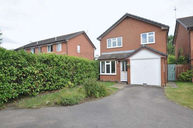 3 Bedrooms Detached House for sale in Merlin Way, Farnborough