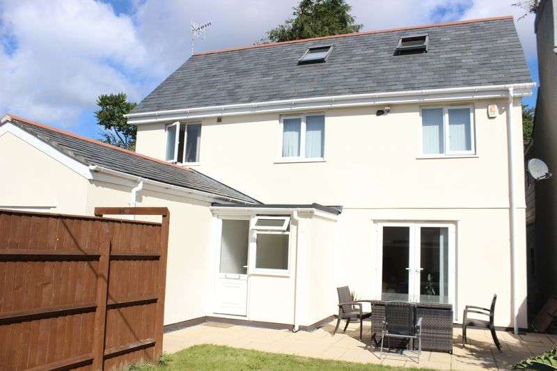 3 Bedrooms Detached House for sale in Laira Avenue, Laira, Plymouth