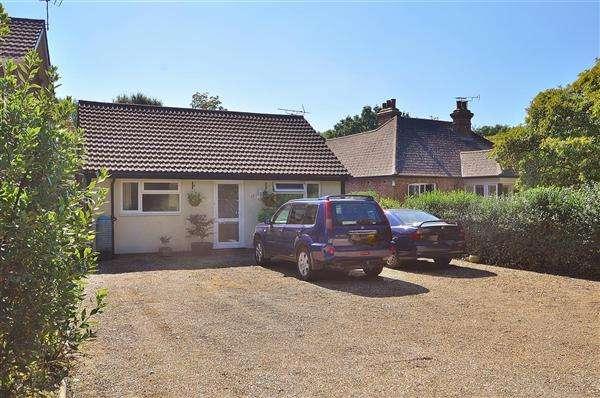 4 Bedrooms Bungalow for sale in Stubbs Cross, TN26