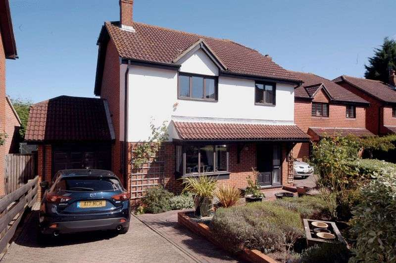 4 Bedrooms Detached House for sale in Raymer Road, Maidstone