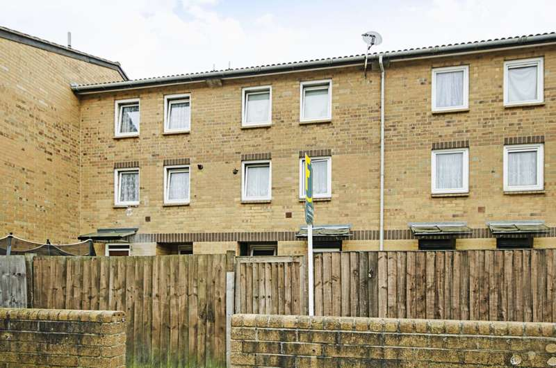 2 Bedrooms Maisonette Flat for sale in Foxley Close, Dalston, E8