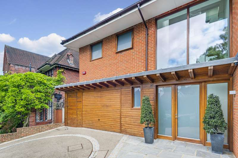5 Bedrooms Detached House for sale in Platts Lane, Hampstead
