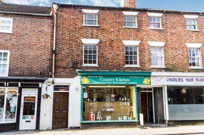 2 Bedrooms Terraced House for sale in North Street, Horncastle, Lincolnshire, North Street