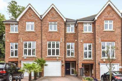 4 Bedrooms House for sale in Grove Wood Close, Bromley