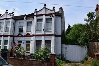 4 Bedrooms Semi Detached House for sale in Spencer Road, Harrow Weald, Harrow Weald