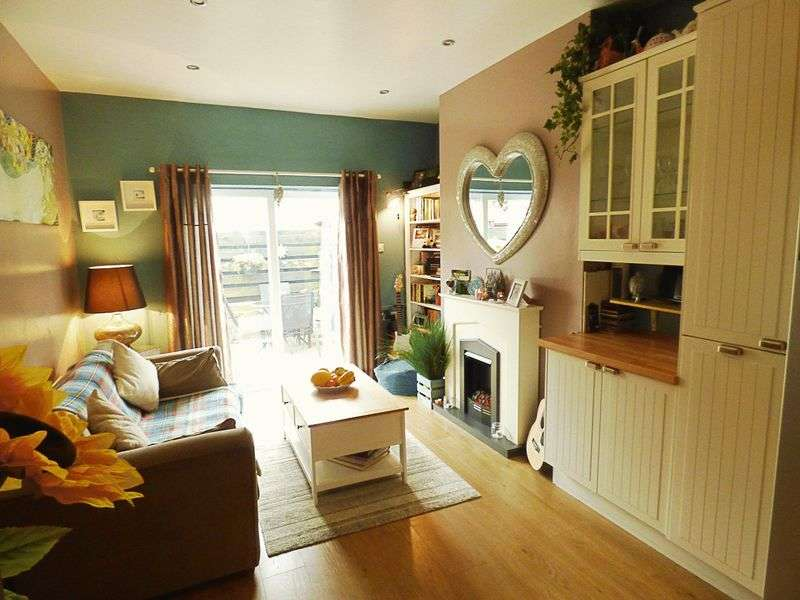 4 Bedrooms Terraced House for sale in Plessey Avenue, Blyth