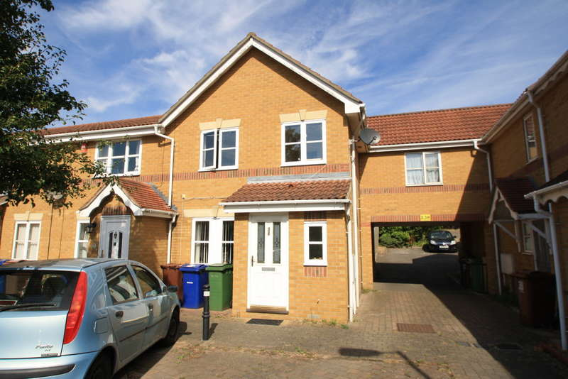 3 Bedrooms End Of Terrace House for sale in Newburgh Road, Little Thurrock