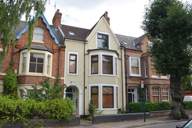 6 Bedrooms Block Of Apartments Flat for sale in Murray Road, Town Centre