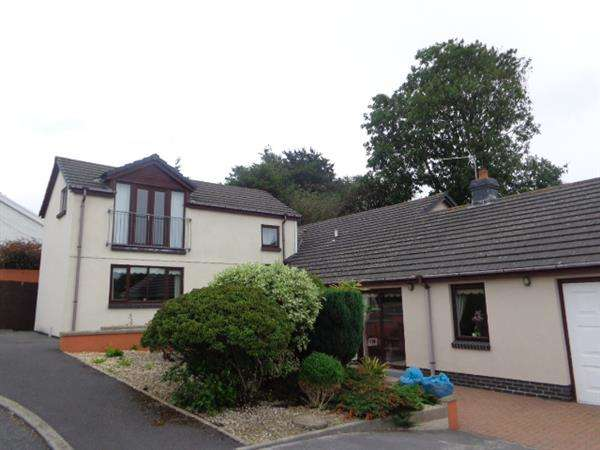 4 Bedrooms Detached Bungalow for sale in The Willows, 2 Churchill Park