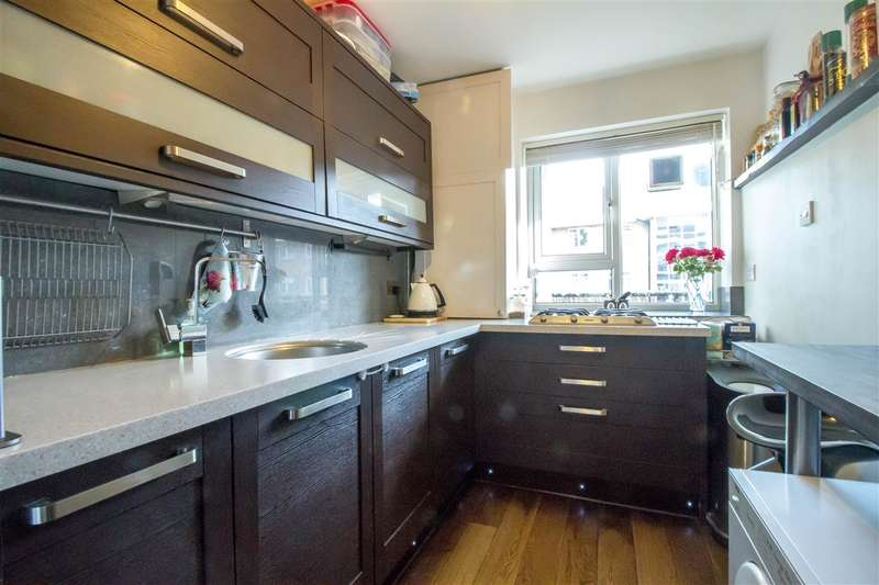 2 Bedrooms Apartment Flat for sale in Smithwood Close, Southfields