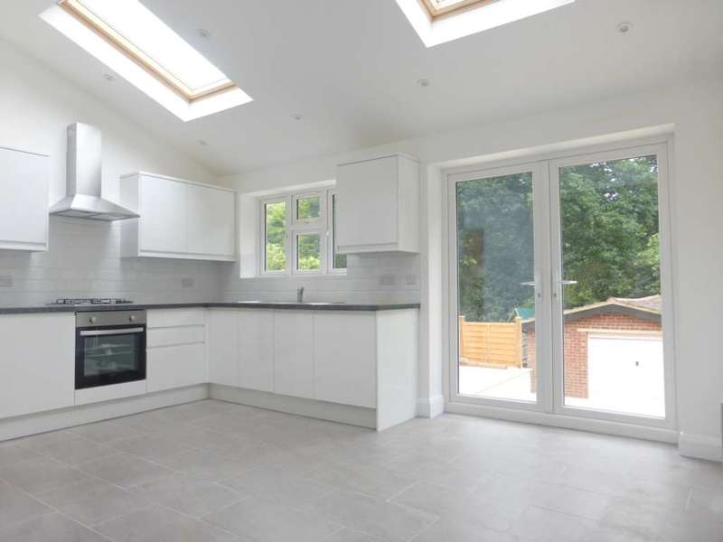 3 Bedrooms Semi Detached House for sale in Woodmere Ave, Watford