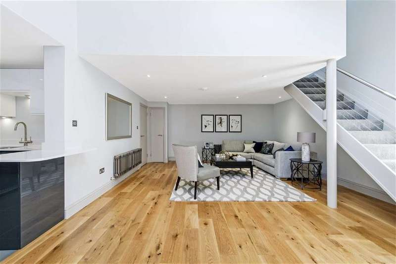 2 Bedrooms Property for sale in Fulham Road, Fulham, London