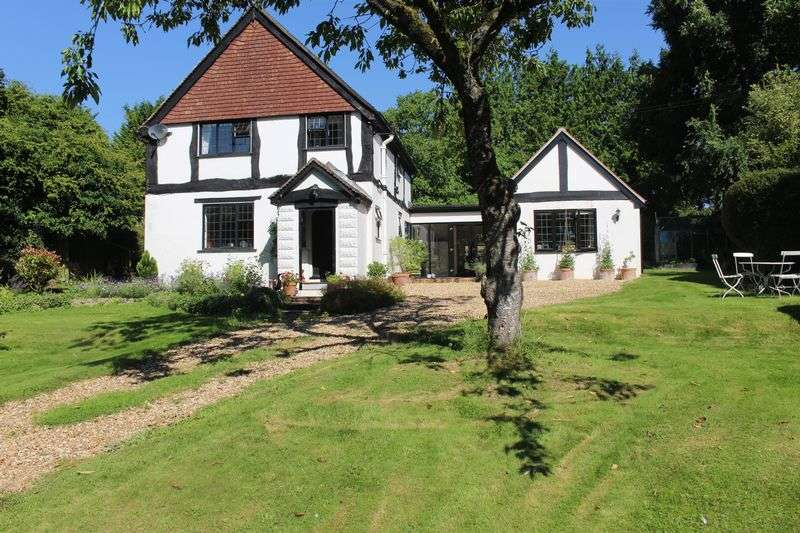 3 Bedrooms Detached House for sale in Figsbury Ring