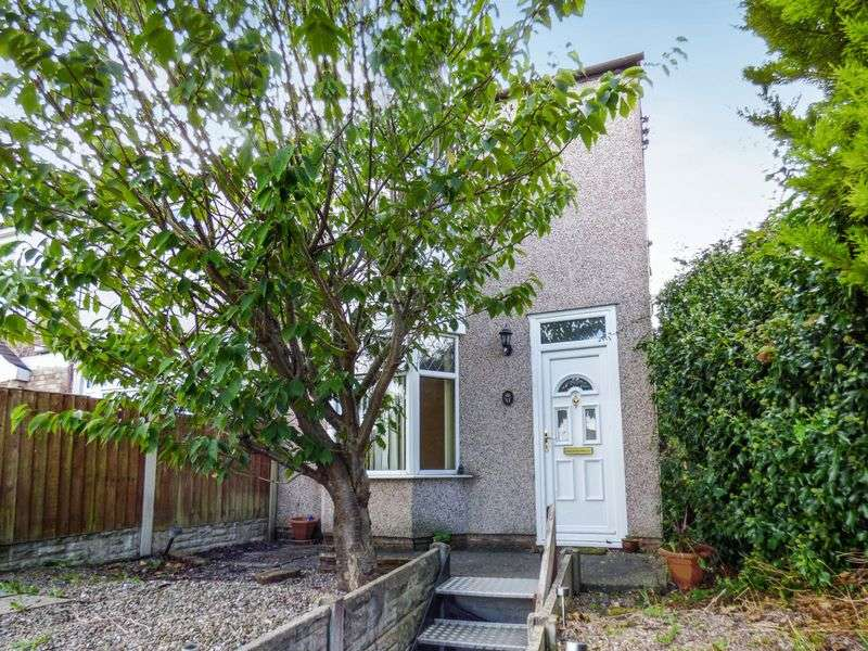 2 Bedrooms Semi Detached House for sale in Top Road, LL11 4SL