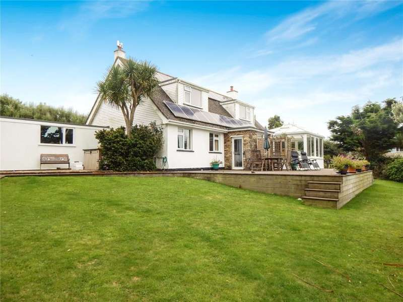 4 Bedrooms Detached House for sale in Pengersick Lane, Praa Sands, Nr. Penzance