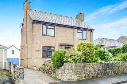 3 Bedrooms Detached House for sale in Ffordd Pedrog, Llanbedrog, Gwynedd, LL53