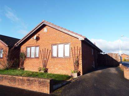 3 Bedrooms Bungalow for sale in Glan Gors, Flint, Flintshire, CH6