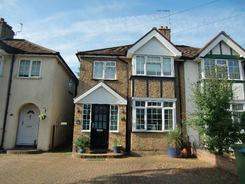 3 Bedrooms Semi Detached House for sale in Third Avenue, Watford, Herts, WD25