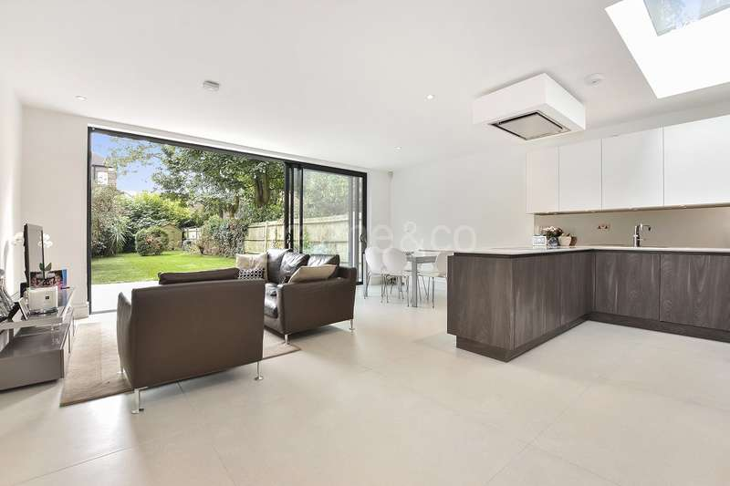 3 Bedrooms Flat for sale in Canfield Gardens, South Hampstead, London, NW6