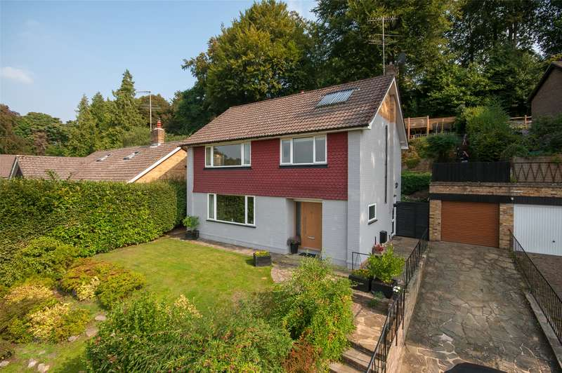 4 Bedrooms Detached House for sale in Elmhurst Drive, Dorking, RH4