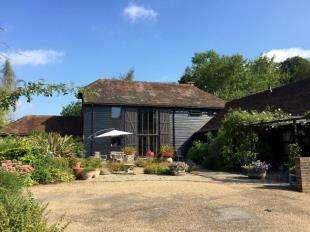 5 Bedrooms Barn Conversion Character Property for sale in Shortbridge Road, Piltdown, Uckfield, East Sussex