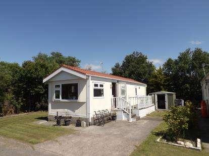 1 Bedroom Mobile Home for sale in Westgate Caravan Park, Morecambe, Lancashire, United Kingdom, LA3