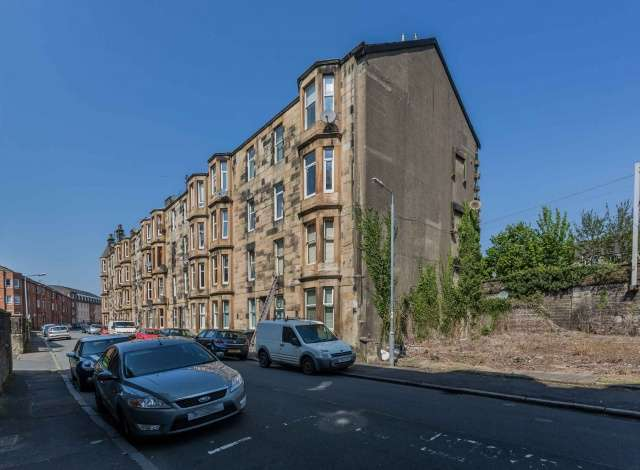 1 Bedroom Flat for sale in Highholm Street, Port Glasgow, Inverclyde, PA14 5HQ