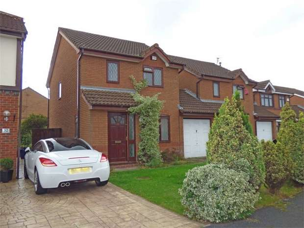 3 Bedrooms Detached House for sale in Atterbury Close, Widnes, Cheshire