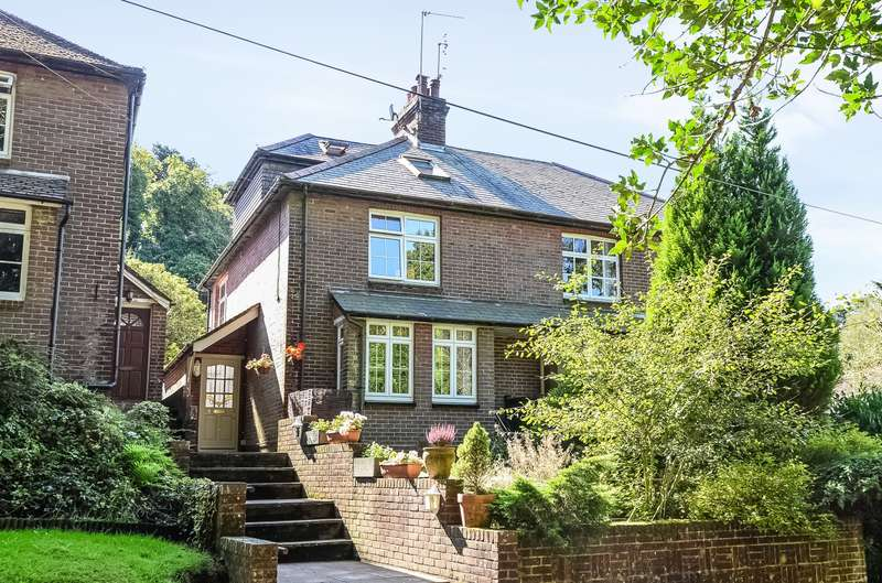 4 Bedrooms Semi Detached House for sale in Hindhead