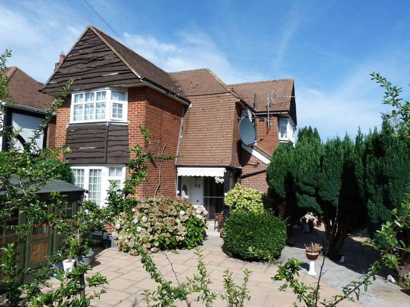 6 Bedrooms Detached House for sale in FAIRMILE ROAD, WEST CHRISTCHURCH