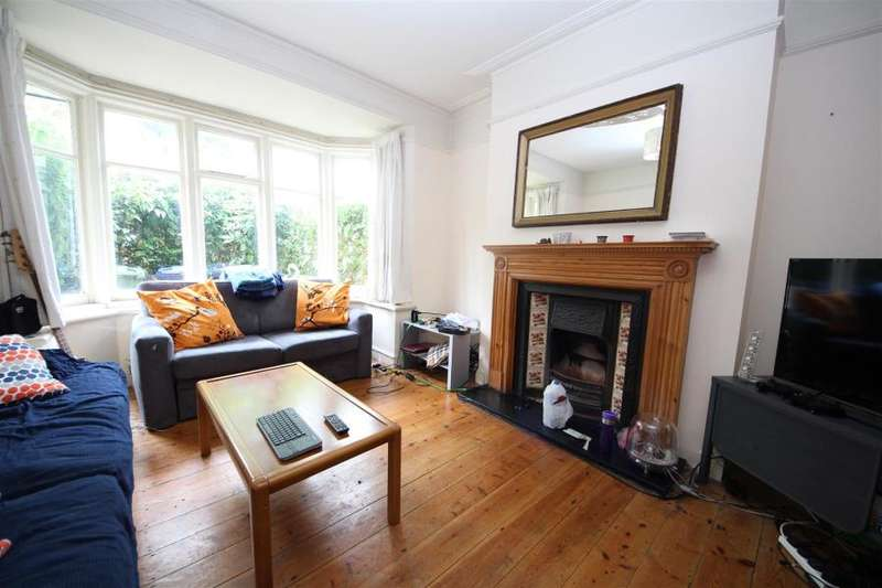 4 Bedrooms House for sale in Nant Road,NW2