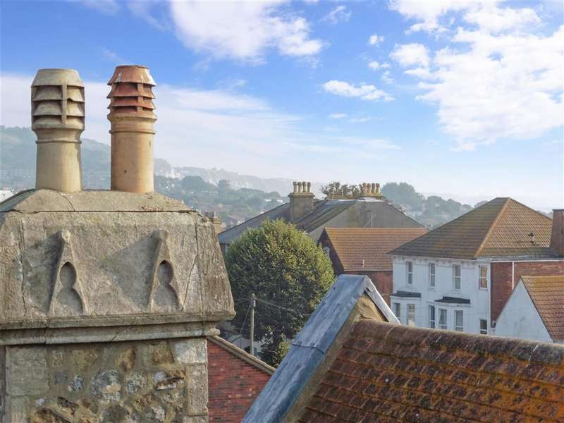 2 Bedrooms Flat for sale in Harbour Way, Folkestone, Kent