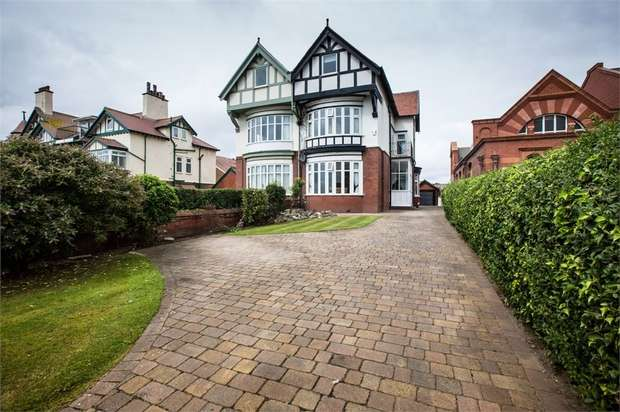 5 Bedrooms Semi Detached House for sale in Ansdell Road South, Lytham St Annes, Lancashire