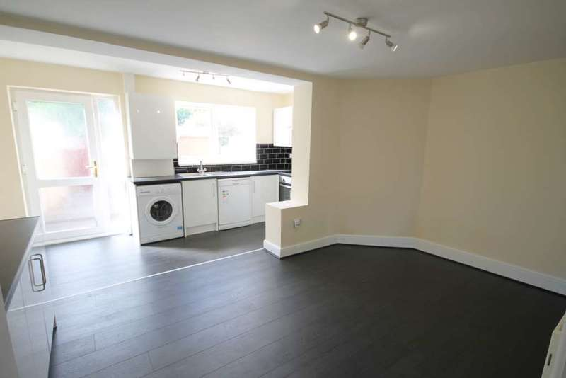 2 Bedrooms Terraced House for sale in Seddon Street, Westhoughton, Bolton, Lancashire.
