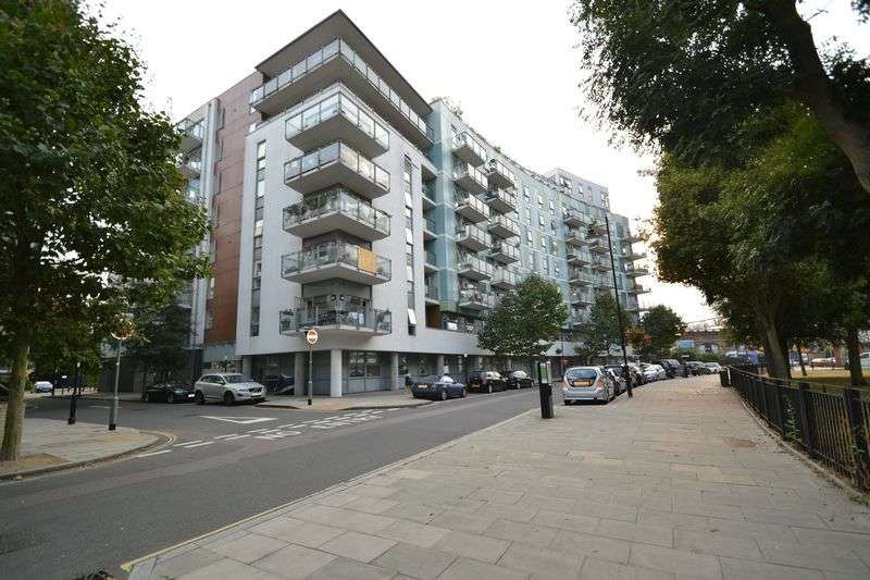 2 Bedrooms Flat for sale in Eyot House, Sun Passage, London, SE16