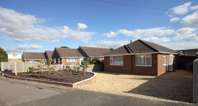 3 Bedrooms Detached Bungalow for sale in De Havilland Way, Mudeford