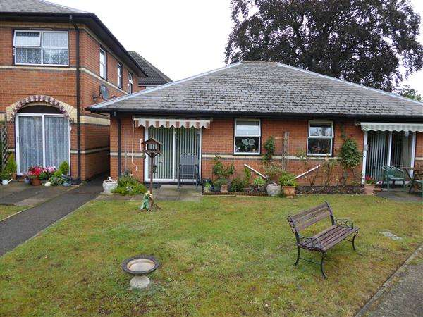 1 Bedroom Retirement Property for sale in Windsor Court, Tilehurst Road, Reading