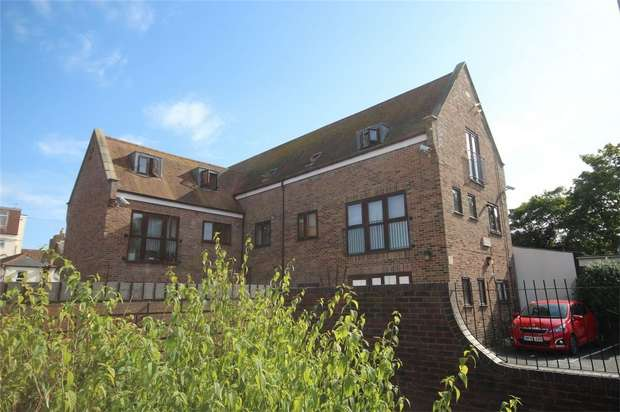 2 Bedrooms Flat for sale in Hill Street, Poole, Dorset