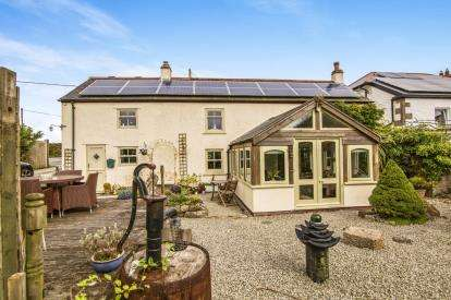 4 Bedrooms Detached House for sale in Carnkie, Redruth, Cornwall
