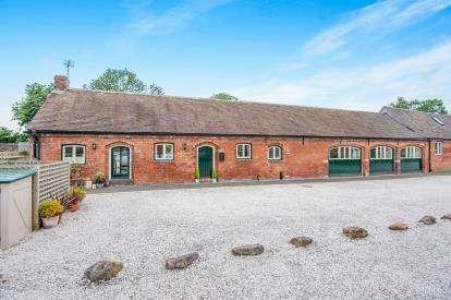 3 Bedrooms Barn Conversion Character Property for sale in Wigginton Fields Farm, Wigginton, Tamworth