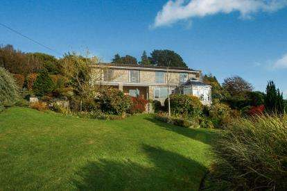 6 Bedrooms Detached House for sale in Morcombelake, Bridport, Dorset