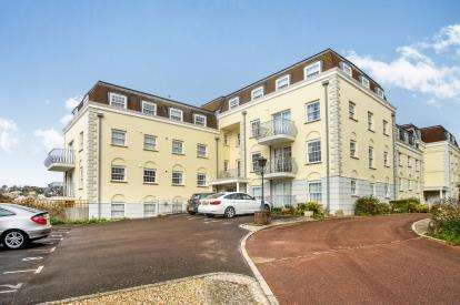 3 Bedrooms Flat for sale in Charmouth Road, Lyme Regis, Dorset