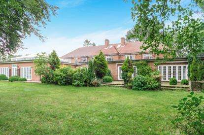 6 Bedrooms Detached House for sale in Warsash, Southampton