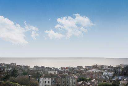 3 Bedrooms Maisonette Flat for sale in Southgrove Road, Ventnor, Isle Of Wight