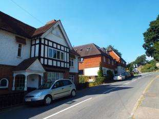 4 Bedrooms End Of Terrace House for sale in Maycroft Cottages, Stone Cross Road, Mayfield, East Sussex