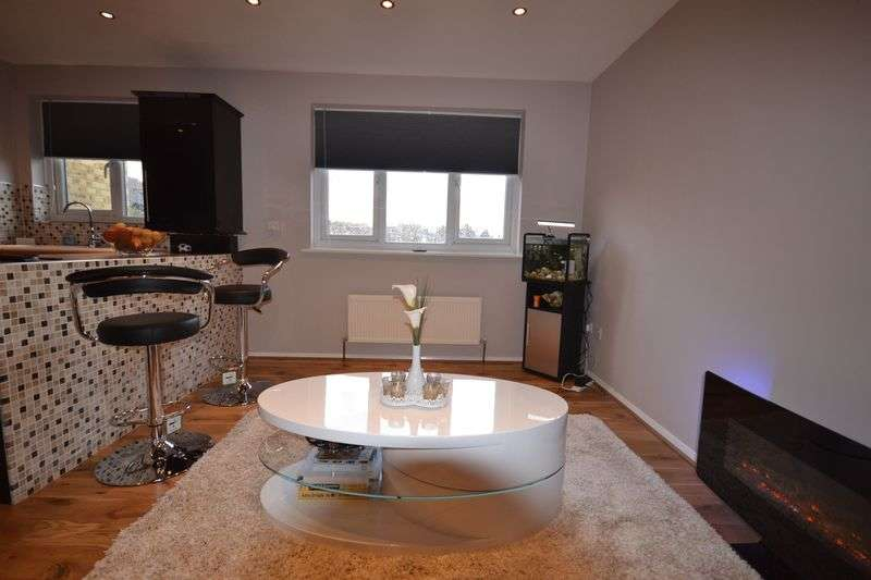 1 Bedroom Flat for sale in Green Pond Close, Walthamstow, E17