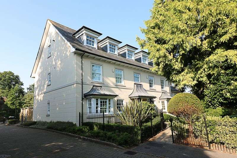 2 Bedrooms Flat for sale in Montacute Mews, Tunbridge Wells